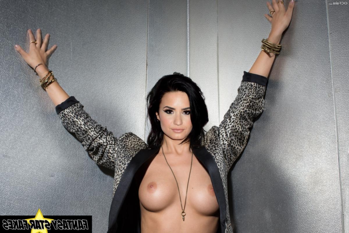 Demi Lovato fakes 2 - Demi Lovato Nude Porn Fake Sex Images