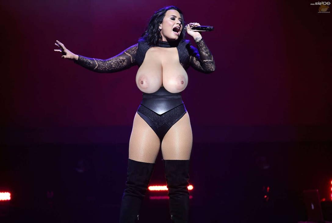 Demi Lovato naked 2 - Demi Lovato Nude Porn Fake Sex Images