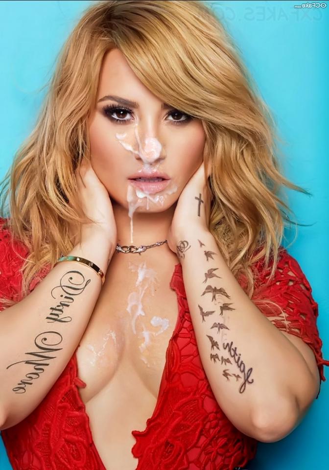 Demi Lovato naked 25 - Demi Lovato Nude Porn Fake Sex Images