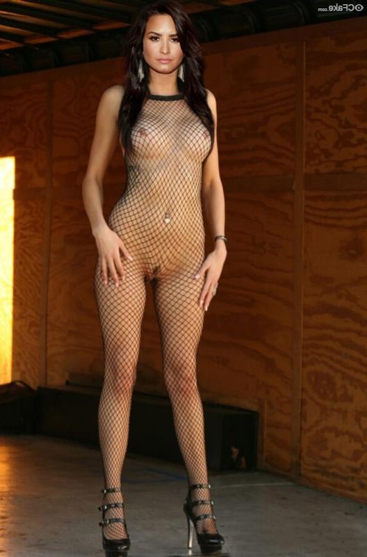 Demi Lovato naked 31 - Demi Lovato Nude Porn Fake Sex Images
