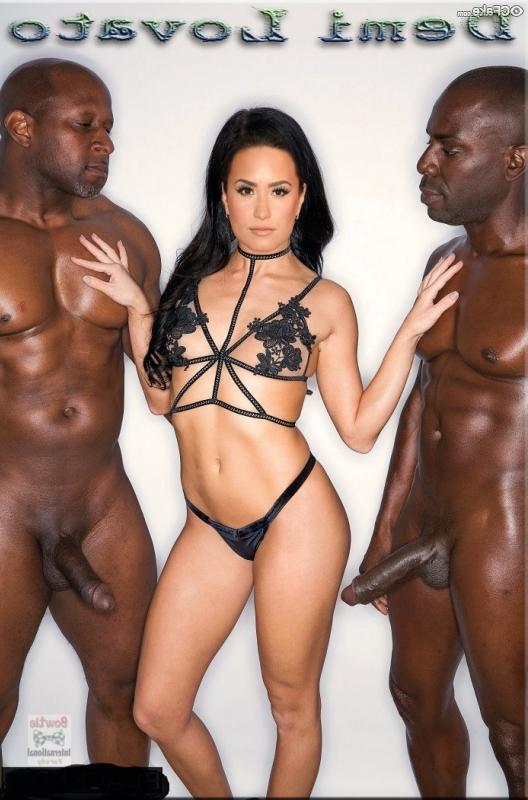 Demi Lovato naked 39 - Demi Lovato Nude Porn Fake Sex Images