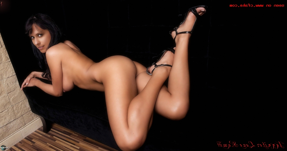 Jennifer Love Hewitt porn fakes 3 - Jennifer Love Hewitt Nude Porn Sex Fake Photos