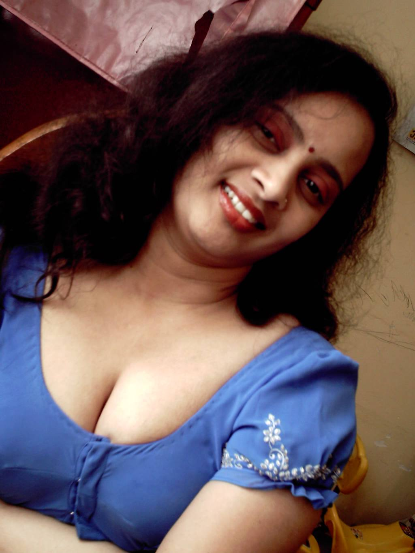 bhabhi nangi porn 3 - Mumbai College Girls & Bhabhi Nude Images