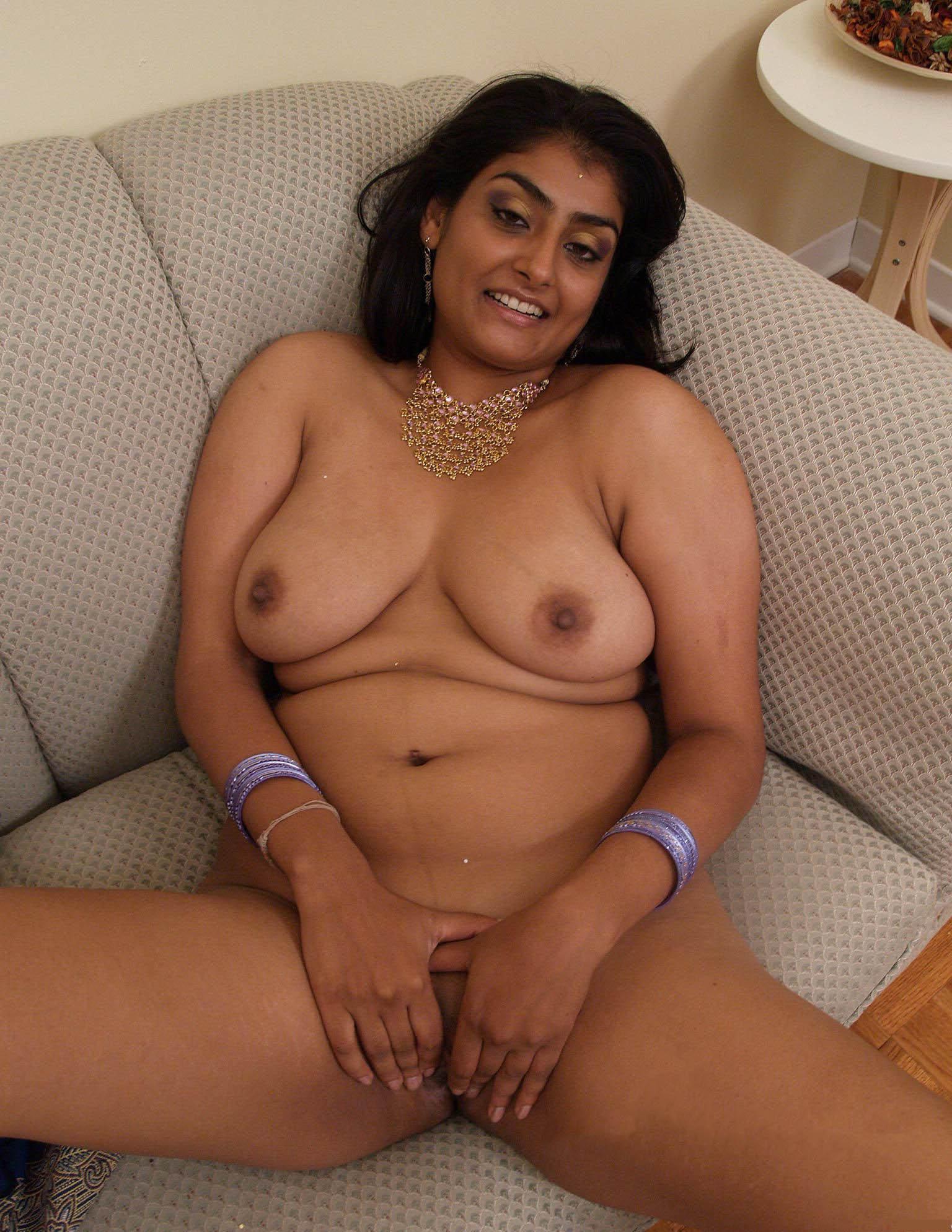 indian bhabhi nude 2 - Mumbai College Girls & Bhabhi Nude Images