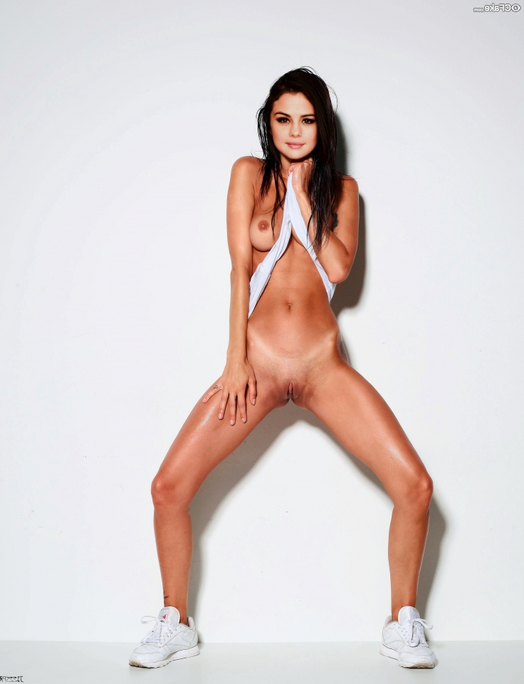 Selena Gomez naked 1 - Actress Selena Gomez Nude XXX Photos