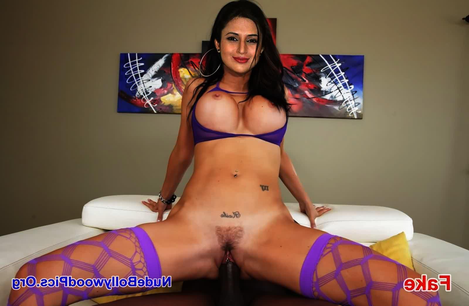 Divyanka Tripathi naked xxx 3 - TV Actress Divyanka Tripathi Nude Porn Sex