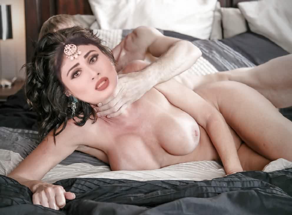 naked Mouni Roy 2 - Tv Actress Mouni Roy Nude Boobs Sex Photos