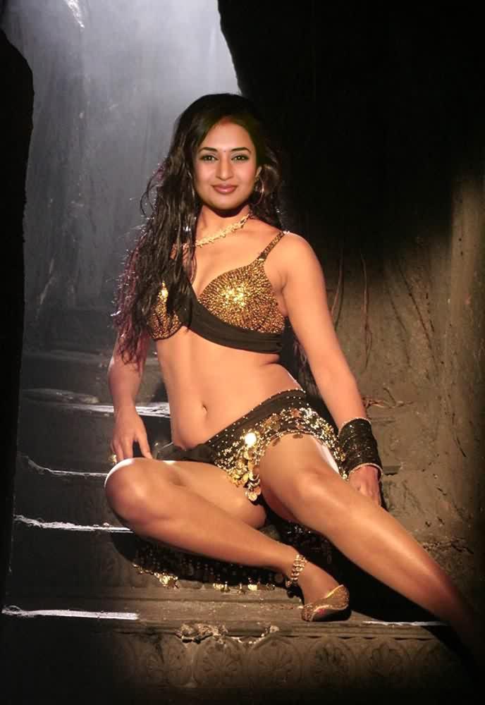 nude Divyanka Tripathi 4 - TV Actress Divyanka Tripathi Nude Porn Sex
