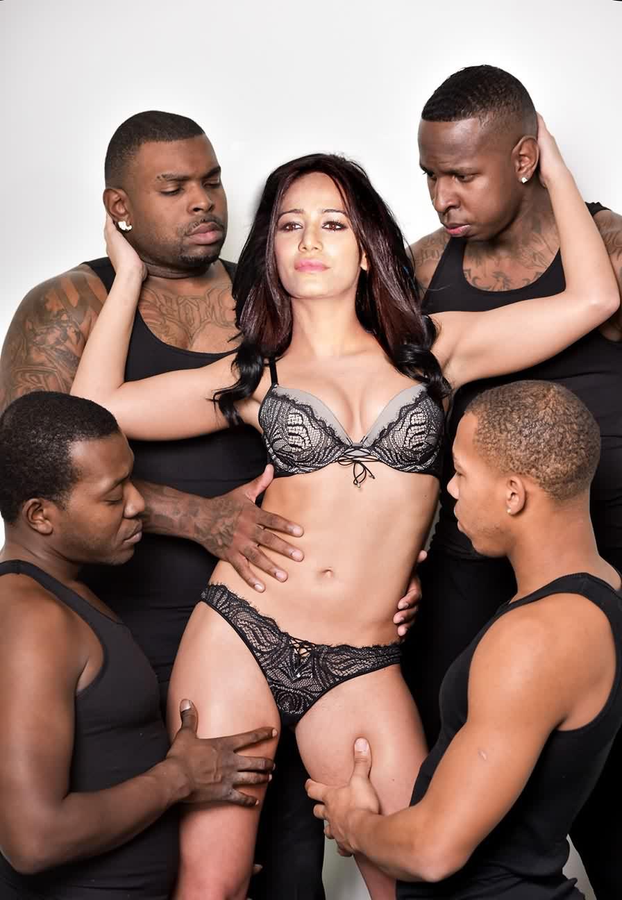 Poonam Pandey gangbang - Poonam Pandey Nude Hot Sexy Photos