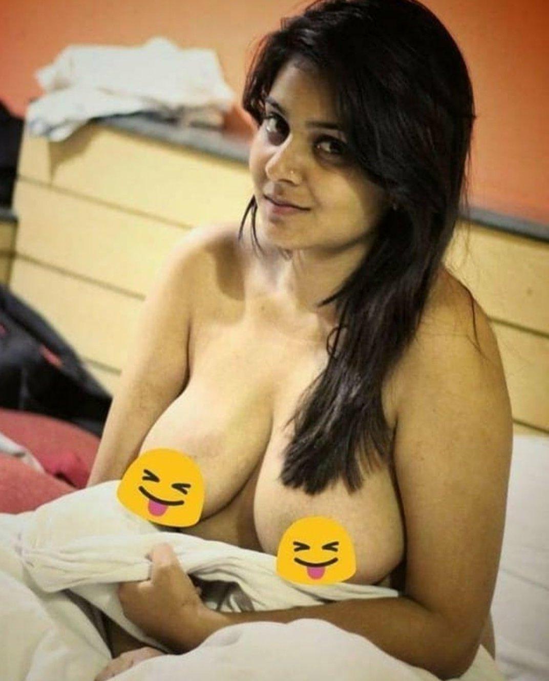 desi randi nangi pics 2 1 - Desi Randi Ki chudai Sexy Nude Gand Chut Pics