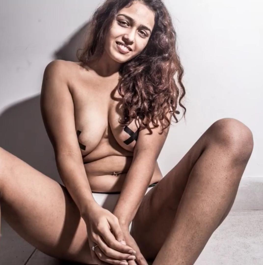 desi randi nangi pics 4 - Desi Randi Ki chudai Sexy Nude Gand Chut Pics