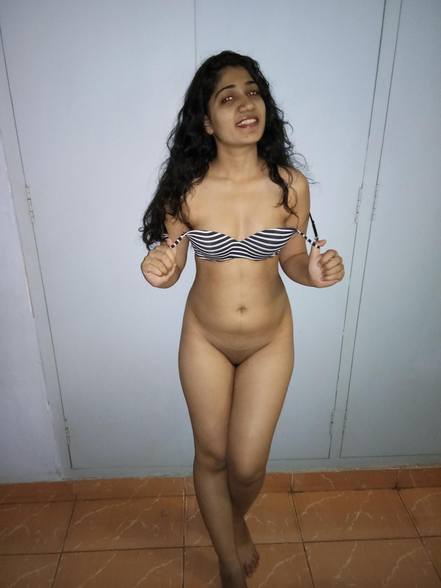 surat college girls nude 4 - Young Gujarati Desi Item Girl Nude XXX Photos